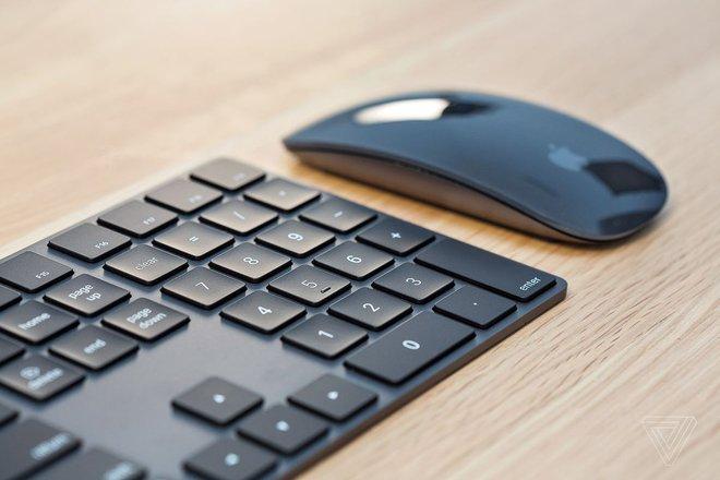 Apple xác nhận ngừng sản xuất các phụ kiện Magic Mouse, Keyboard và Trackpad màu xám - Ảnh 1.