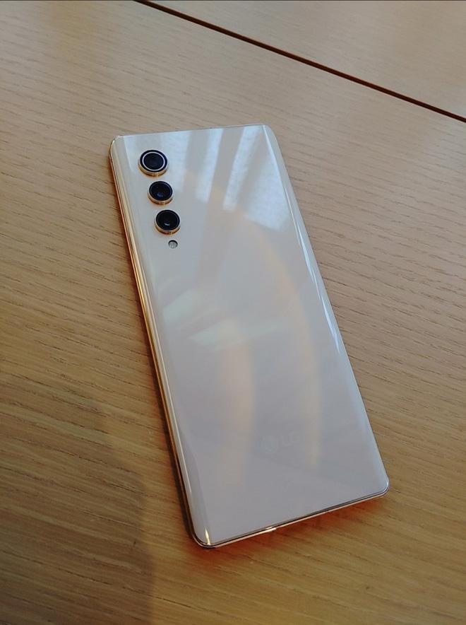 Rút khỏi mảng di động, LG thanh lý smartphone giá rẻ cho nhân viên: Snapdragon 888, màn hình OLED 120Hz, giá 4 triệu đồng - Ảnh 1.