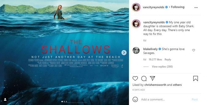 """Ryan Reynolds cho con gái 1 tuổi xem phim cá mập kinh dị của vợ để giúp bé """"cai"""" Baby Shark - Ảnh 2."""
