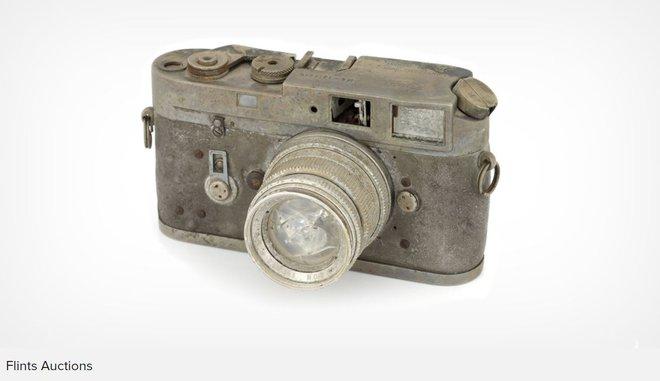 Chiếc máy ảnh Leica M4 cháy, hỏng toàn tập này vừa được đấu giá thành công ở mức 2000 USD - Ảnh 1.