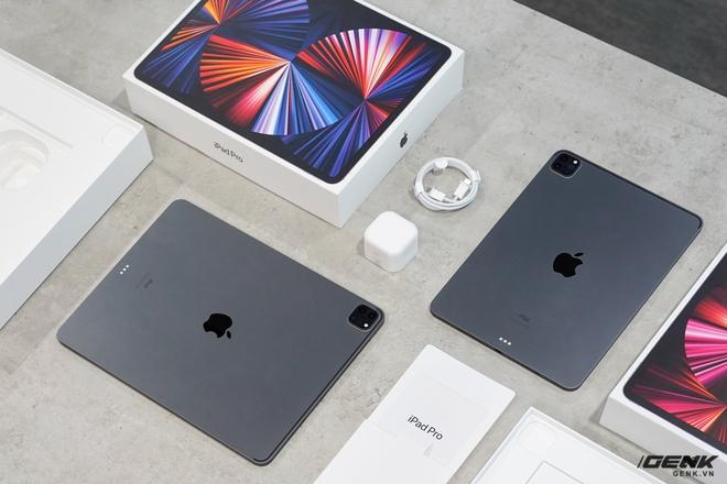 Mở hộp iPad Pro 2021: Ngoại hình không đổi, chip M1 mạnh mẽ, màn hình Mini LED trên bản 12,9 inch rất đẹp - Ảnh 4.