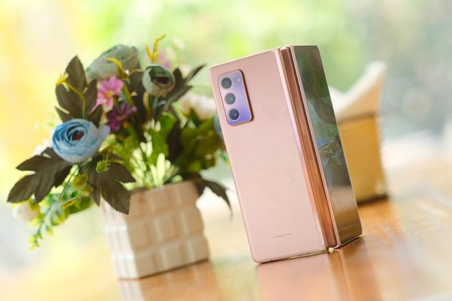 Siêu smartphone như Galaxy Z Fold2 có sức hút như thế nào? - Ảnh 2.