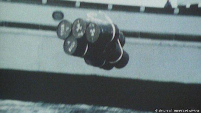 Các nhà khoa học đang chế tạo một tàu ngầm tự hành đánh hơi được bức xạ dưới đáy biển, nhằm phát hiện sớm động đất và sóng thần - Ảnh 3.
