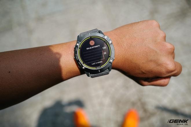 Trên tay Garmin Enduro: Mặt đẹp nhưng quá to so với người Việt, pin Mặt Trời dùng vô tư không ngại hết pin - Ảnh 6.