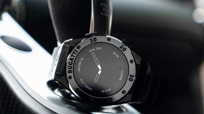 Bugatti bất ngờ ra mắt bộ ba smartwatch sang trọng, hầm hố không kém những chiếc siêu xe - Ảnh 3.