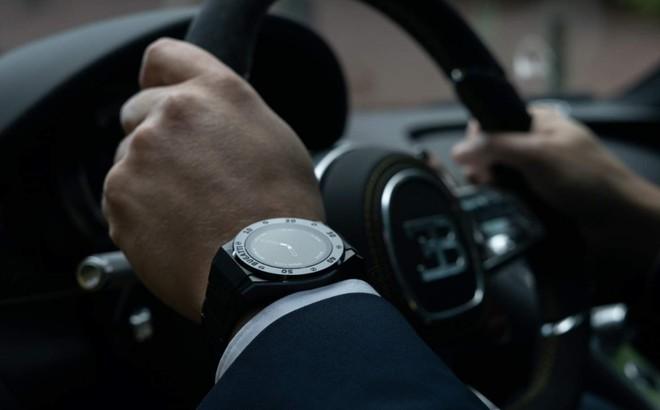 Bugatti bất ngờ ra mắt bộ ba smartwatch sang trọng, hầm hố không kém những chiếc siêu xe - Ảnh 1.