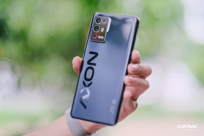 Trên tay ZTE Axon 30 Pro: Màn hình AMOLED 120Hz, Snapdragon 888, hai camera 64MP, giá 10.8 triệu đồng - Ảnh 4.