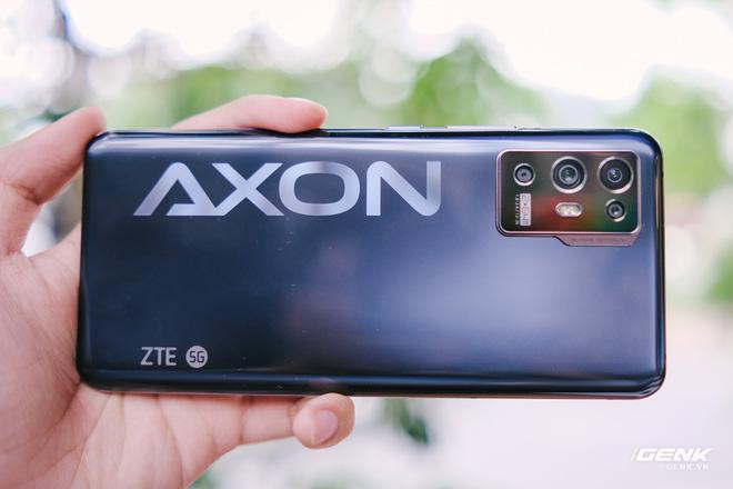 Trên tay ZTE Axon 30 Pro: Màn hình AMOLED 120Hz, Snapdragon 888, hai camera 64MP, giá 10.8 triệu đồng - Ảnh 5.