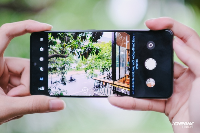 Trên tay ZTE Axon 30 Pro: Màn hình AMOLED 120Hz, Snapdragon 888, hai camera 64MP, giá 10.8 triệu đồng - Ảnh 8.