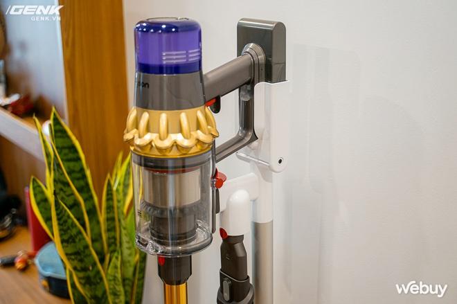 Trải nghiệm máy hút bụi Dyson giá 21 triệu: Nhiều phụ kiện, lắp ghép như LEGO, hút khỏe, chỉ hợp với nhà sang chảnh - Ảnh 3.