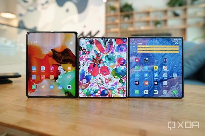 Cùng làm smartphone màn hình gập, nhưng cả Xiaomi và Huawei đều đang ở chiếu dưới so với Samsung - Ảnh 1.