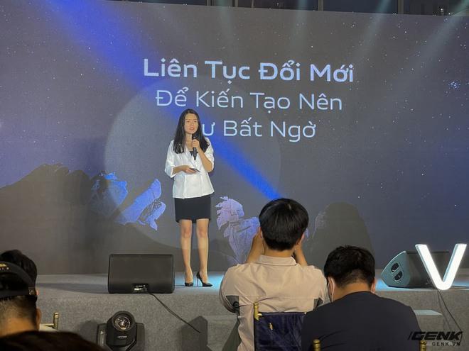 Cận cảnh Vivo V21 5G vừa ra mắt tại Việt Nam: Camera selfie 44MP chống rung OIS, có hai đèn flash trước để selfie đẹp hơn, mỏng chỉ 7,29mm, giá 9,99 triệu đồng - Ảnh 2.