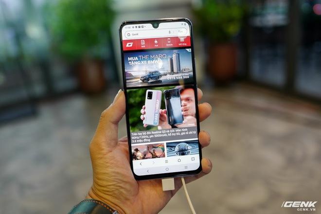 Cận cảnh Vivo V21 5G vừa ra mắt tại Việt Nam: Camera selfie 44MP chống rung OIS, có hai đèn flash trước để selfie đẹp hơn, mỏng chỉ 7,29mm, giá 9,99 triệu đồng - Ảnh 9.