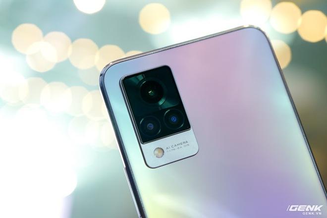Cận cảnh Vivo V21 5G vừa ra mắt tại Việt Nam: Camera selfie 44MP chống rung OIS, có hai đèn flash trước để selfie đẹp hơn, mỏng chỉ 7,29mm, giá 9,99 triệu đồng - Ảnh 7.