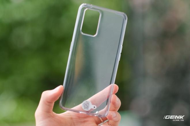 Trên tay Realme Q3 Pro: Màn hình AMOLED 120Hz, chip Dimensity 1100, camera 64MP, giá 6.2 triệu đồng - Ảnh 4.