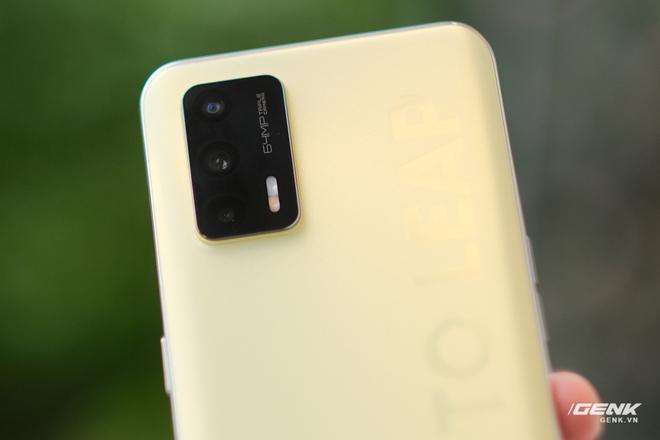 Trên tay Realme Q3 Pro: Màn hình AMOLED 120Hz, chip Dimensity 1100, camera 64MP, giá 6.2 triệu đồng - Ảnh 8.