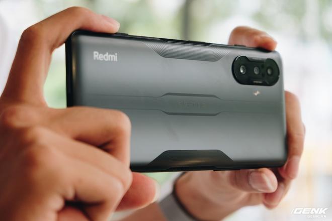 Trên tay Redmi K40 Gaming: Smartphone gaming cấu hình mạnh, giá rẻ nhưng thiếu vắng dịch vụ Google - Ảnh 18.