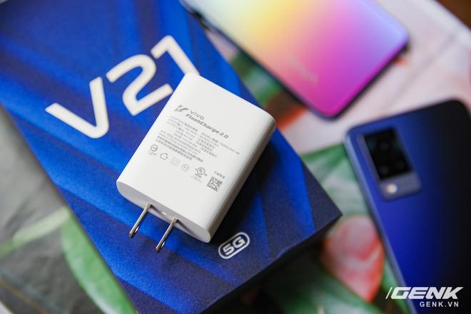 Trên tay Vivo V21 5G: thiết kế mỏng nhẹ đẹp mắt, đặc biệt có Camera selfie 44MP chống rung OIS - Ảnh 16.