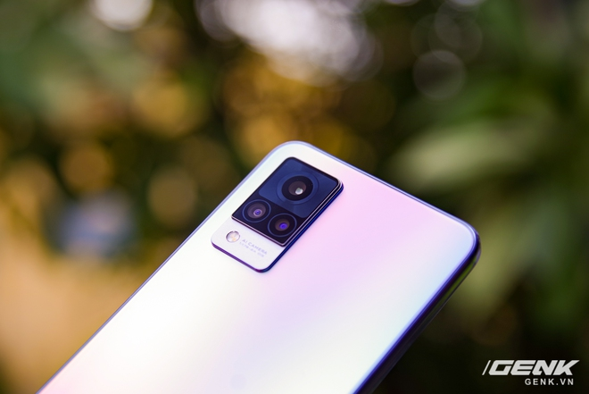 Trên tay Vivo V21 5G: thiết kế mỏng nhẹ đẹp mắt, đặc biệt có Camera selfie 44MP chống rung OIS - Ảnh 11.
