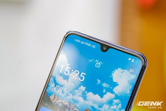 Trên tay Vivo V21 5G: thiết kế mỏng nhẹ đẹp mắt, đặc biệt có Camera selfie 44MP chống rung OIS - Ảnh 12.