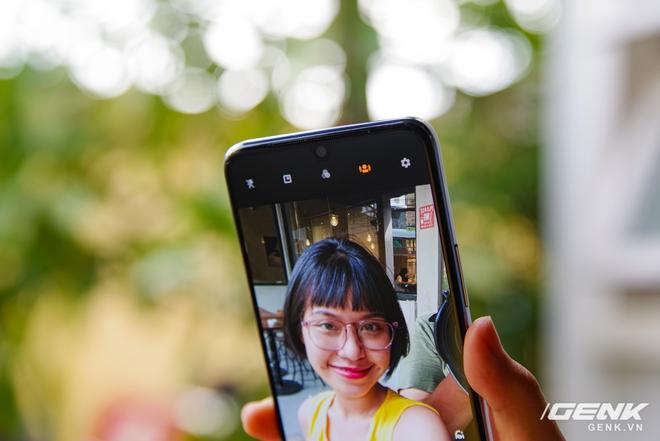 Trên tay Vivo V21 5G: thiết kế mỏng nhẹ đẹp mắt, đặc biệt có Camera selfie 44MP chống rung OIS - Ảnh 13.