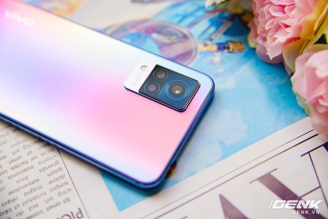 Trên tay Vivo V21 5G: thiết kế mỏng nhẹ đẹp mắt, đặc biệt có Camera selfie 44MP chống rung OIS - Ảnh 10.