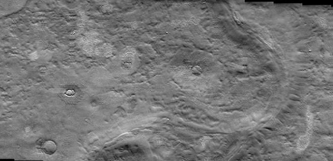 Phát hiện ra một sông băng tiềm năng nằm gần bề mặt Sao Hỏa, phù hợp làm nơi xây căn cứ cho các nhà du hành sau này - Ảnh 1.