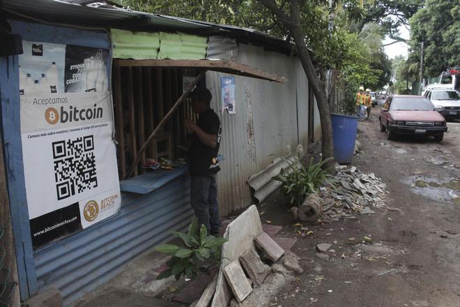 Làng chài nhỏ bên bờ biển ở El Salvador này đang hé lộ cái nhìn thoáng qua về một nền kinh tế tiền điện tử - Ảnh 3.