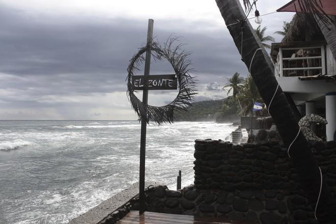 Làng chài nhỏ bên bờ biển ở El Salvador này đang hé lộ cái nhìn thoáng qua về một nền kinh tế tiền điện tử - Ảnh 1.