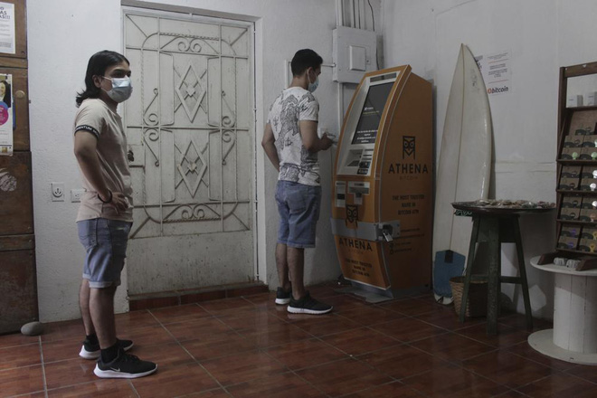 Làng chài nhỏ bên bờ biển ở El Salvador này đang hé lộ cái nhìn thoáng qua về một nền kinh tế tiền điện tử - Ảnh 7.
