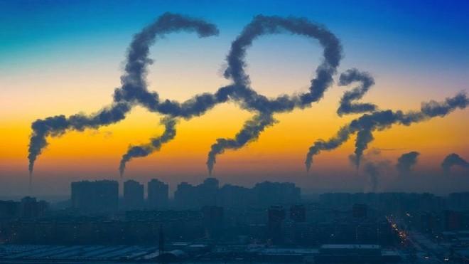 Nồng độ CO2 trong khí quyển đạt mức cao nhất trong thập kỷ qua - Ảnh 1.