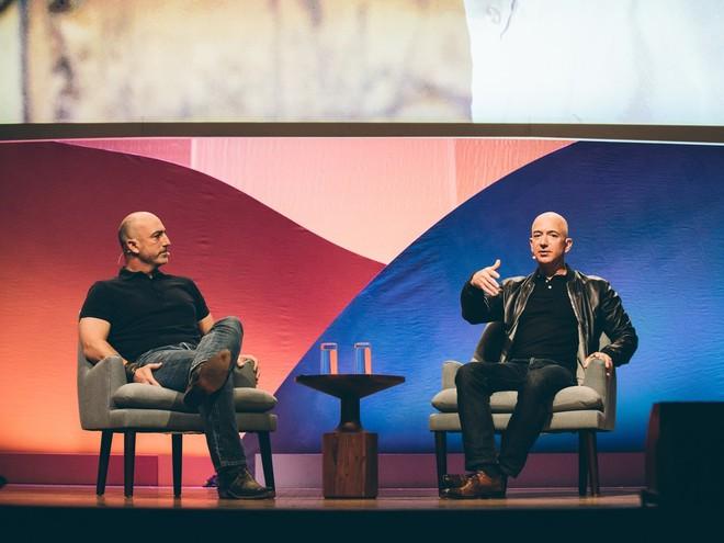 Rủi ro Jeff Bezos phải đối mặt khi bay lên trời là gì? - Ảnh 3.