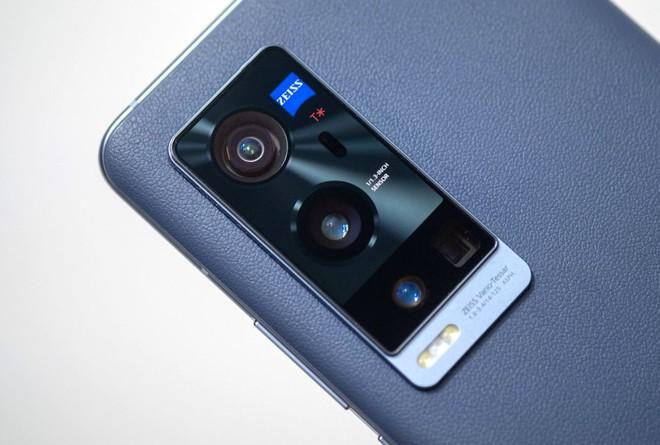 Zeiss tìm cách nâng tầm ảnh hưởng trên thị trường camera cho smartphone - Ảnh 1.