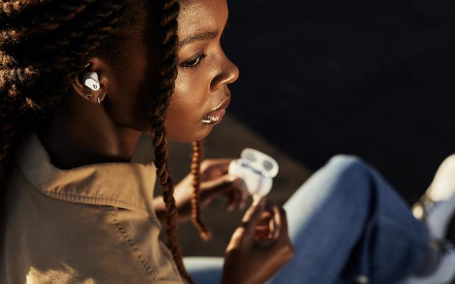 Apple ra mắt tai nghe Beats Studio Buds, chống ồn ANC, giá 149,99 USD - Ảnh 2.