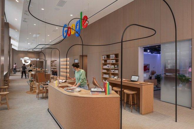 Google khai trương cửa hàng bán lẻ đầu tiên của mình, một trải nghiệm nghệ thuật khác hẳn Apple Store - Ảnh 1.