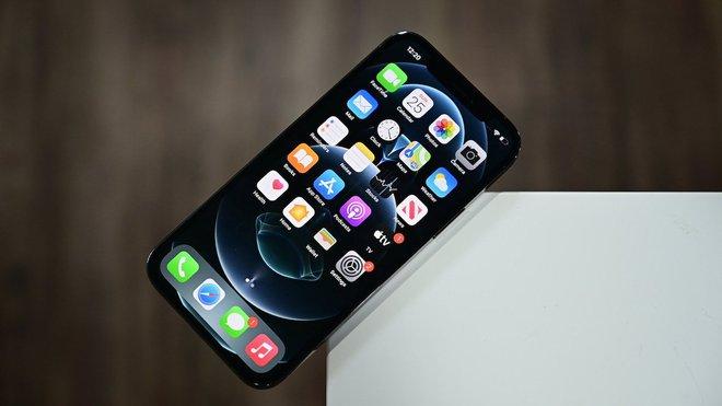 Mỹ xem xét dự luật cấm Apple cài sẵn các ứng dụng của mình trên iPhone