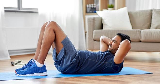 Không có nổi 10 phút tập thể dục/tuần đặt bạn vào nguy cơ gấp đôi nhiễm COVID-19 nặng và tử vong - Ảnh 1.