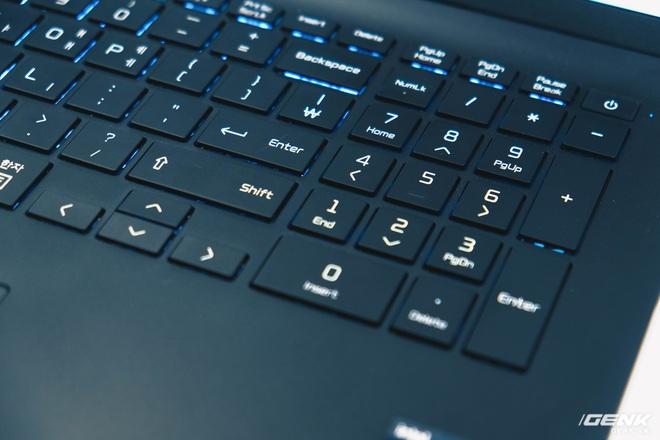 Trên tay LG Gram 2021: Laptop 17 inch nhưng chỉ nặng bằng laptop 13 inch hãng khác - Ảnh 8.