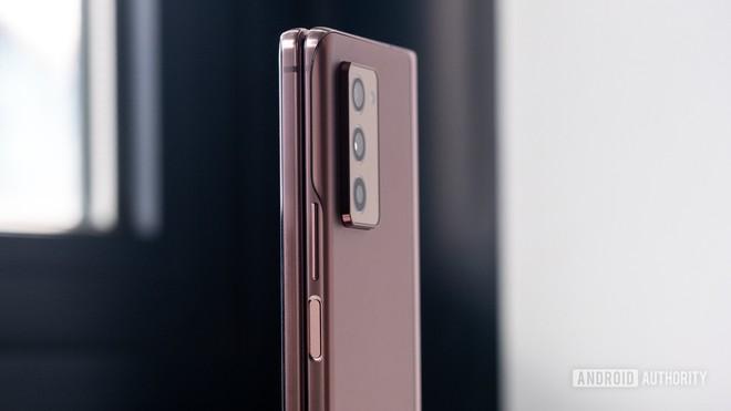 Samsung ngừng bán Galaxy Z Fold 2, mở đường ra mắt sớm Z Fold 3 - Ảnh 1.