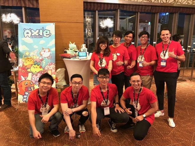 Đói nghèo vì COVID-19, dân Philippines đổ xô chơi một tựa game Việt để kiếm tiền điện tử: Cày để có cơm ăn, không phải cho vui - Ảnh 1.