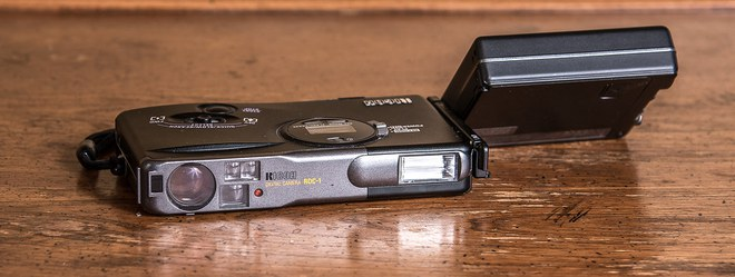 Lịch sử của camera kỹ thuật số: Từ nguyên mẫu những năm 70 nặng 4kg đến những chiếc iPhone và Galaxy bé nhỏ nằm trong túi - Ảnh 16.