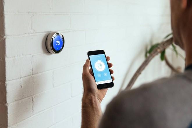 Công ty điện lực Mỹ tự ý tăng nhiệt độ trong nhà của khách giữa đợt nắng nóng để tiết kiệm điện - Ảnh 1.