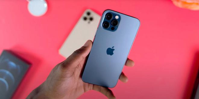 iPhone 13 sẽ có giá bán tương đương iPhone 12, không có bản 1TB - Ảnh 1.