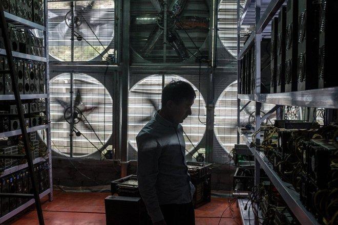 Mỏ đào bitcoin tại Tứ Xuyên bị triệt phá, giá VGA tại Trung Quốc giảm sập sàn - Ảnh 1.