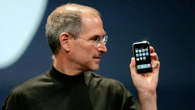 7 lần Apple khiến thế giới trầm trồ vì những thiết kế đi trước thời đại - Ảnh 2.