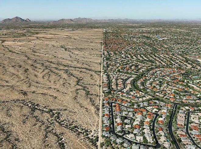 Ám ảnh với loạt hình về địa ngục đô thị: Khi con người tự xây dựng hoặc biến nơi ở của mình thành cơn ác mộng - Ảnh 4.