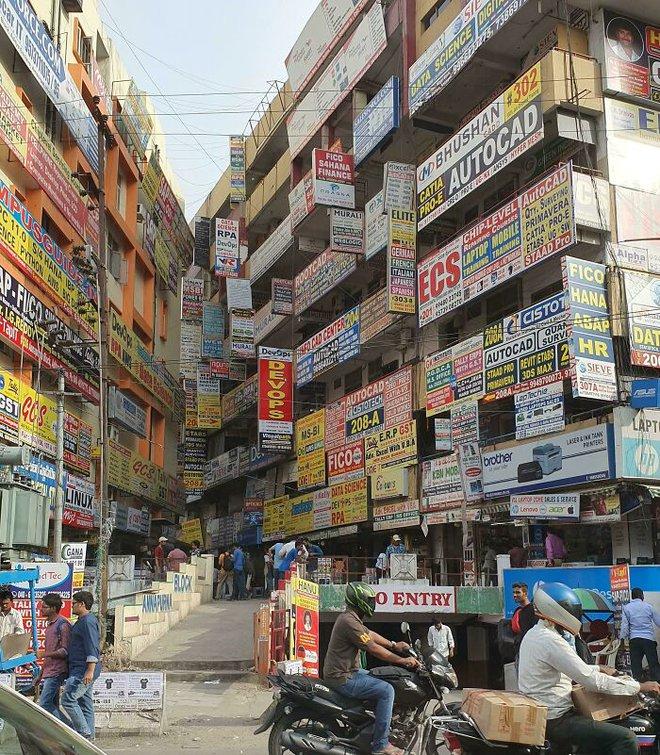 Ám ảnh với loạt hình về địa ngục đô thị: Khi con người tự xây dựng hoặc biến nơi ở của mình thành cơn ác mộng - Ảnh 13.