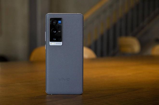 Vivo X60T Pro+ ra mắt: Phiên bản rút gọn của X60 Pro+ nhưng giá không đổi - Ảnh 1.