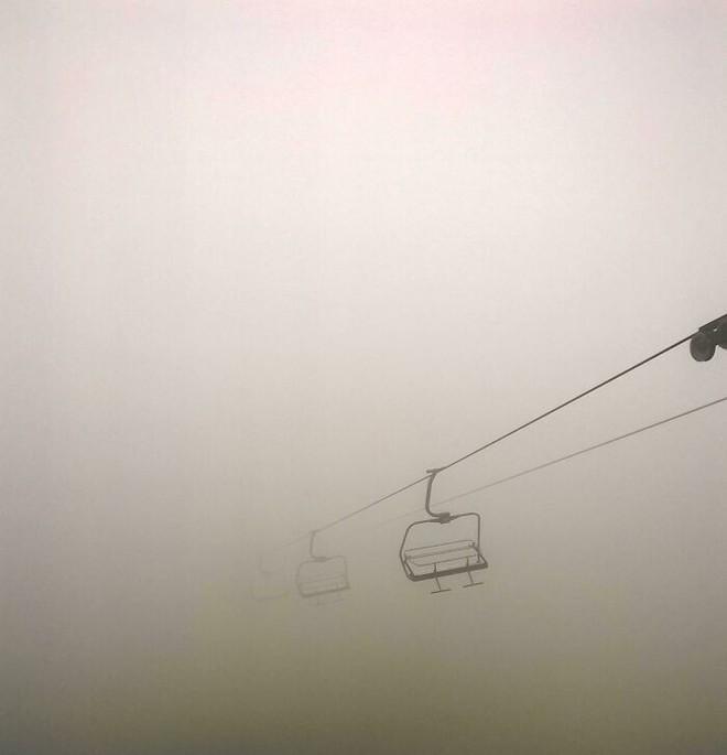 Nỗi ám ảnh về không gian ngưỡng: Nơi chúng ta có cảm giác như đang ở bên bờ vực của một điều bí ẩn - Ảnh 5.