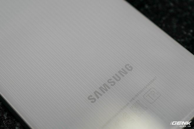 Trên tay Samsung Galaxy M32: Ngoại hình bắt mắt, camera đa dụng, pin 5000mAh, giá 6.290.000 đồng - Ảnh 3.